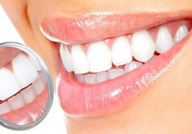 How Do Teeth Whitening Work?