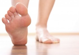 8 Top Tips To Keep Your Feet Healthy